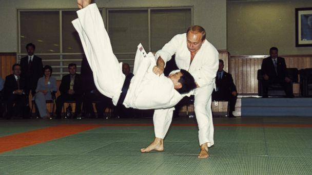 Russia S Putin Gets Honorary Taekwondo Black Belt