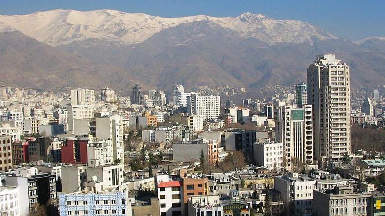 UAE hotel firm first to set up in Iran since revolution