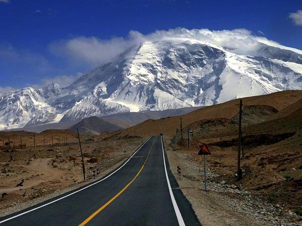 highest-paved-international-road-Karakoram-Highway