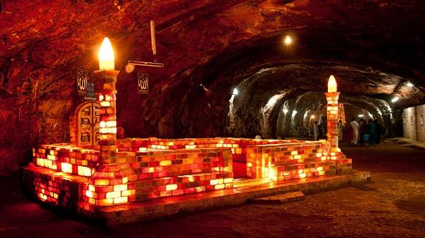 secong-largest-salt-mine-in-the-world-khewara-salt-mine