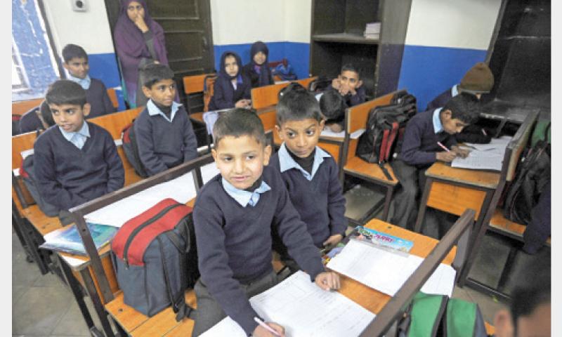 Patron-in-Chief Zamurud Khan have Pakistan Sweet Homes of children